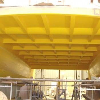 chantier construction de catamarans NAVIVOILE sur moule