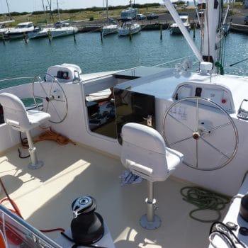 Postes commandes catamaran