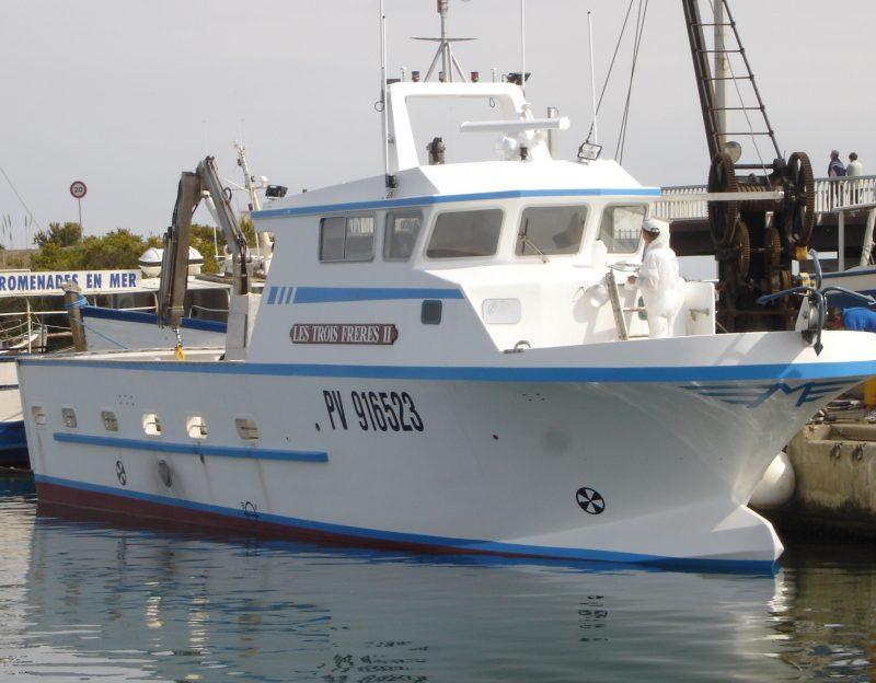 navire de pêche 18m