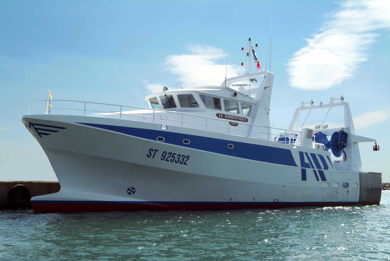 navire de pêche 25m